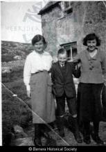 The Macdonald children from Thule House <a href='/image-details/85016'>(more info)</a>