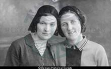 Mary Maciver & Murdina Macdonald, Hacklete <a href='/image-details/85008'>(more info)</a>